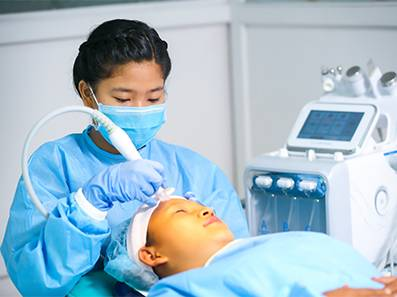 Customized Facials/HYDRAFACIAL